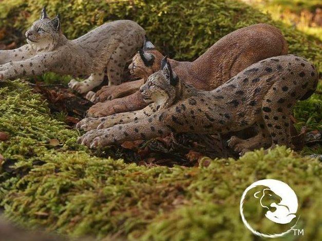 Eurasian Lynx Sculpture